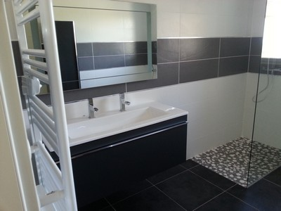 salle de bains les bastides lauragaises. Black Bedroom Furniture Sets. Home Design Ideas