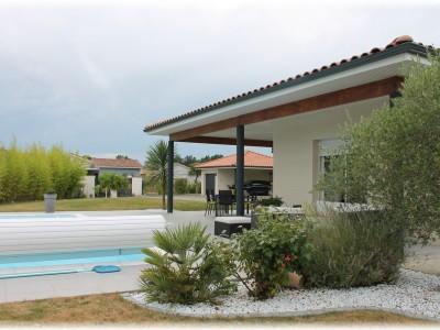 Maison et jardin à Fontenilles