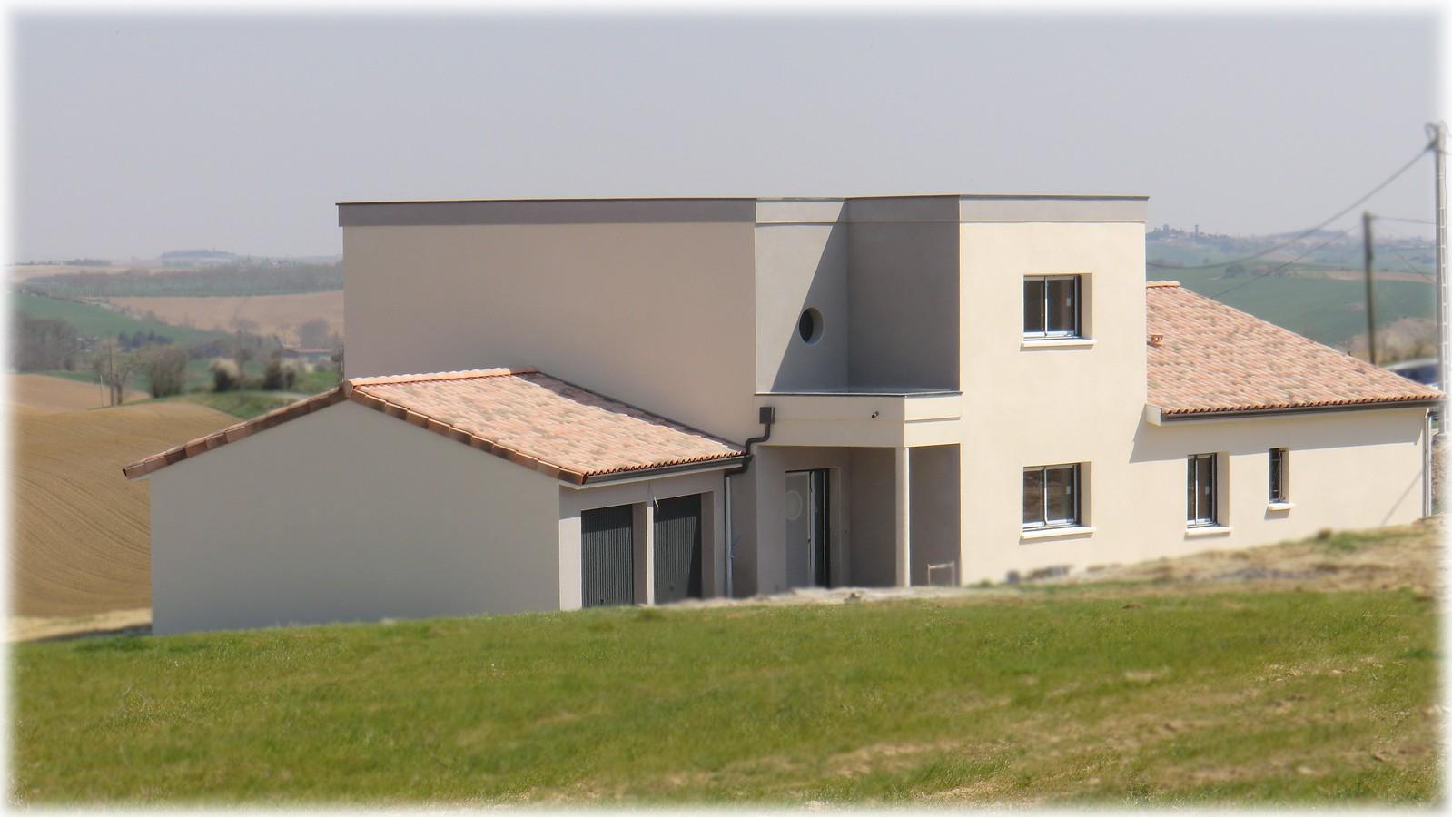 Maison moderne nailloux les bastides lauragaises for Maison moderne 06